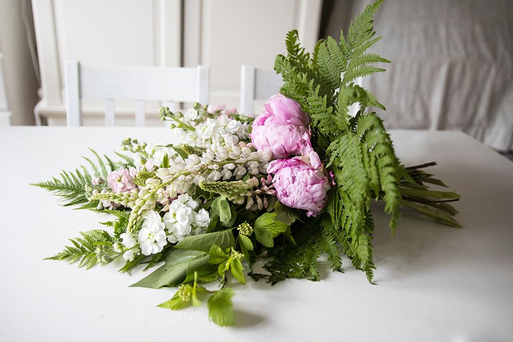 Sorgbukett | Floristutbildning hemläxa 8