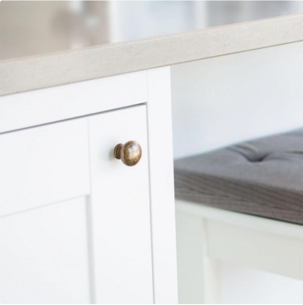 Att byta knoppar på köksluckor är en liten detalj som kan göra stor skillnad